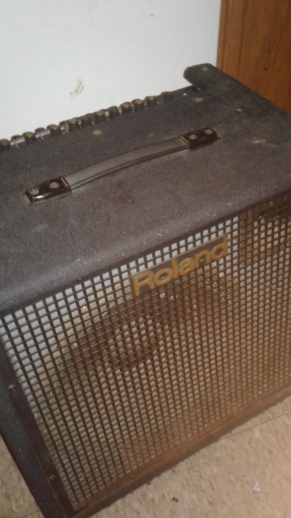 Roland KC-500 Stereo mixing keyboard amplifier