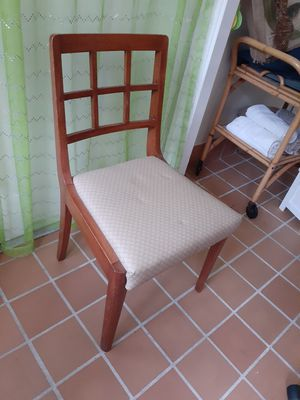 4 vintage dining room chairs for Sale in Miami, FL