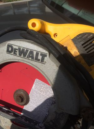 DeWalt wormdrive circular saw for Sale in Fort Lauderdale, FL