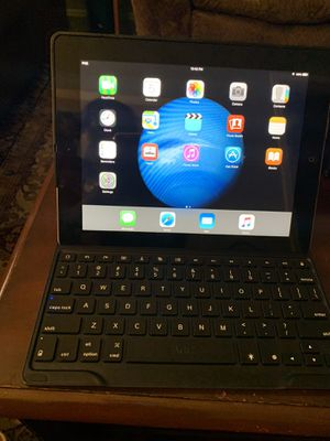 iPad 2/keyboard/charger for Sale in Memphis, TN