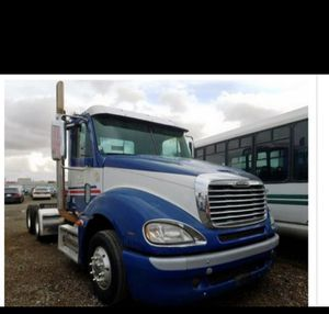 2008 freightliner columbia parts for Sale in Stockton, CA