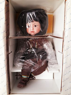 Danbury Mint miska doll I'm in fontana message only when ready to pick up firm for Sale in Fontana, CA