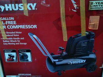 Husky 8 Gallon Air Compressor for Sale in Los Angeles,  CA