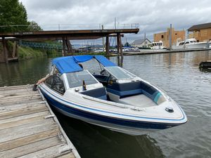 1988 17 foot Bayliner Capri for Sale in Beaverton, OR