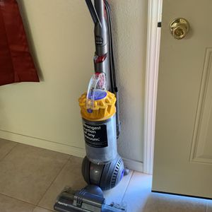 Dyson Vacuum for Sale in Victorville, CA
