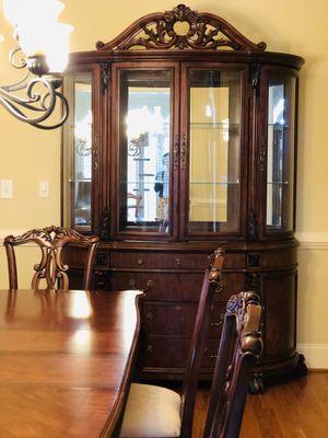 Master Pulaski dining set and china cabinet for Sale in Alpharetta, GA