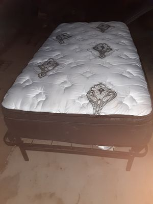 Twin bed for Sale in San Angelo, TX