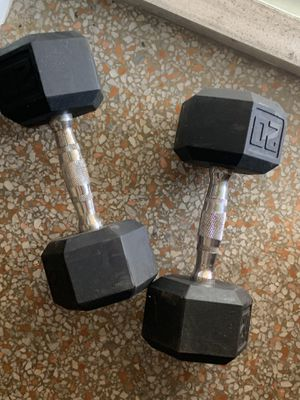 20lb dumbbell set sold as is for Sale in Fort Lauderdale, FL