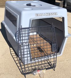 Pet Carrier For Cats, Smaller Dogs Or Other Animals for Sale in Downey,  CA