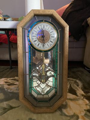 Antique clock made in USA ( used and wear) for Sale in Everett, WA