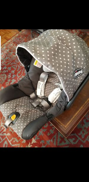 Chicco keyfit infant carseat with base for Sale in Rockville, MD