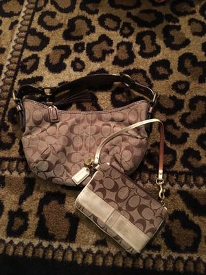 Coach Purse with Matching Wallet that can be used as Wristlet for Sale in Columbus, OH