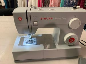 Singer sewing machine heavy duty for Sale in Los Angeles, CA