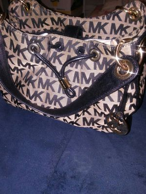 AUTHENTIC MICHAEL KORS HAND BAG for Sale in Silver Spring, MD
