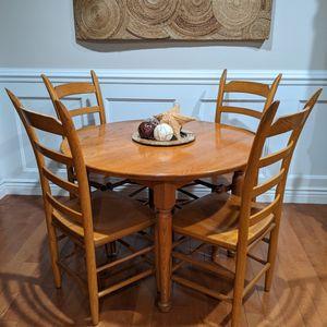 Beautiful Solid Oak 5 pc Farmhouse Dining Set for Sale in Hoffman Estates, IL