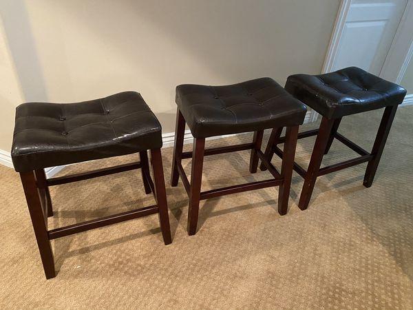 Bar and counter stools, bar dog cage, bike etc.