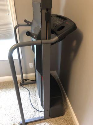 525 pro form treadmill for Sale in Auburn, MI