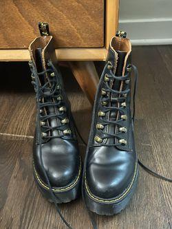 Dr Marten Leona Hiker Boots Size 7.5 for Sale in Washington,  DC