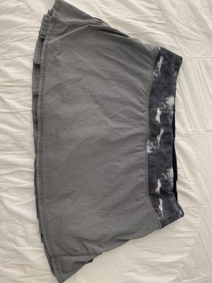 Lululemon Skirt Size 8 Gray and Black for Sale in San Clemente, CA