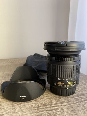 Like new. Lens hood, dust bag. AF-P Nikkor 10-20 mm 1:4.5 - 5.6 G DX VR for Sale in Downers Grove, IL