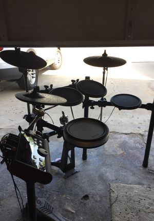 Yamaha DTX500 Drum Set. for Sale in Westminster, CA