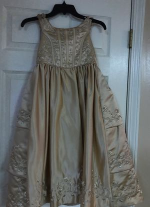 Girls dress for Sale in Pleasant Grove, AL