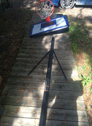 Basketball hoop for Sale in Lutz, FL