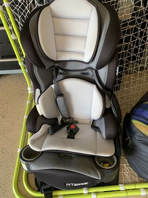 Child car seat with seatbelt for Sale in Houston, TX