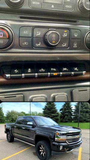 🚭2O18 Chevy Silverado 🚭 $17k for Sale in Bowling Green, FL