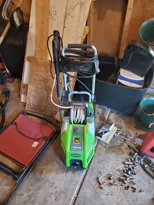 Greenworks 1700psi electric pressure washer for Sale in Willoughby, OH