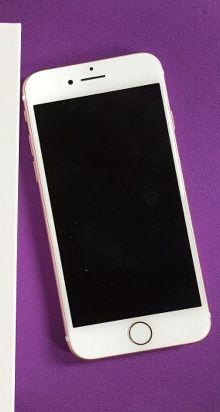 iPhone 7 rose gold 32gb Unlocked Verizon Sprint AT&T for Sale in Oakton, VA