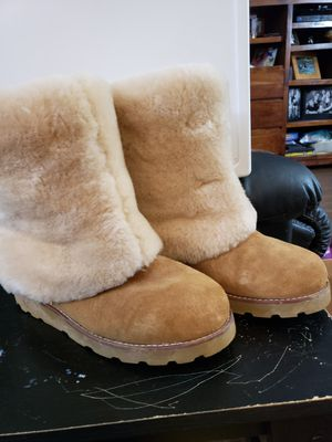 Women's Ugg boots size 9 for Sale in Lutz, FL