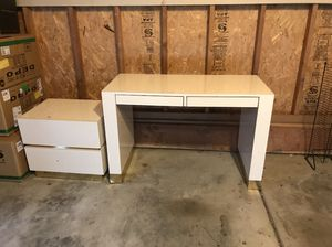 Solid wood desk and end table. for Sale in West Valley City, UT