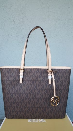 New Authentic Michael Kors Tote for Sale in Commerce, CA