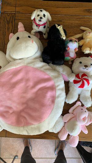 Stuffed animals & pillow for Sale in Chandler, AZ