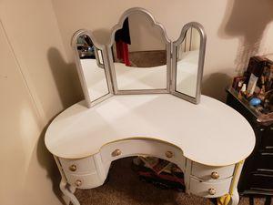 Antique kidney shape vanity or desk for Sale in Fullerton, CA