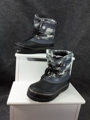 Western Chief kids Insulated Waterproof Winter Snow Boots Thermolite Size 5 Gray for Sale in Oceanside, CA