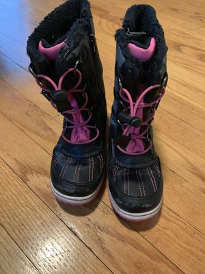 $3. Girls size 13 boots. for Sale in River Grove, IL