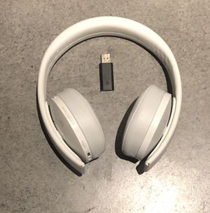 Ps4 gold headset for Sale in Bothell, WA