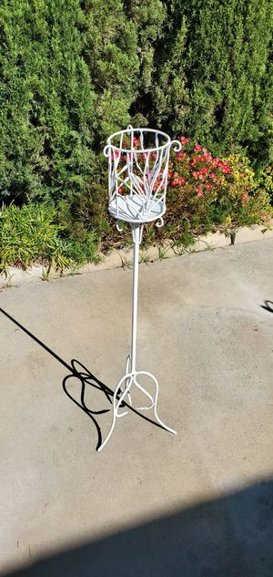 Beautiful 37 in tall white iron plant stand/ candle handle holder for Sale in Yorba Linda, CA