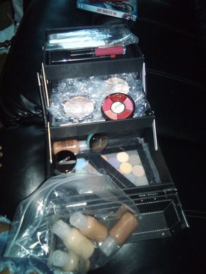 OFRA MAKEUP BRAND NEW for Sale in Indianapolis, IN