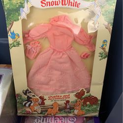 Disney Collectable Snow White Dress Barbie for Sale in Escalon,  CA