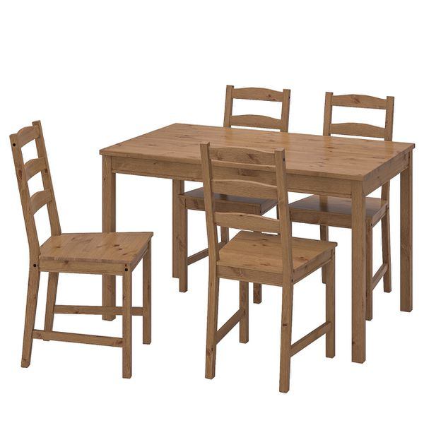 Moving sale wooden table Without chairs. $50