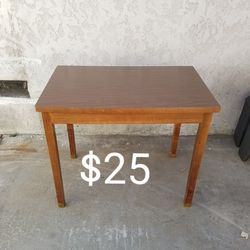 Table Or Desk for Sale in Long Beach,  CA
