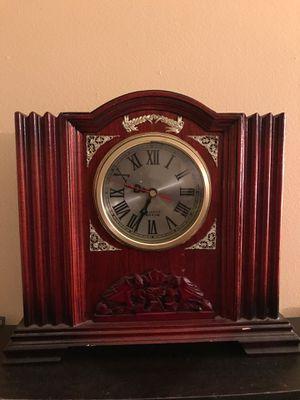 Antique Quartz Clock for Sale in Lithonia, GA
