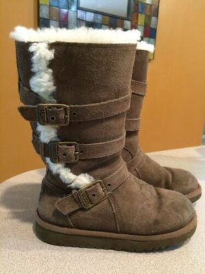 Ugg girl boots size 13 for Sale in Fridley, MN