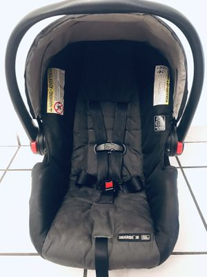 Graco SnugRide Click Connect 30 car seat (with base) for Sale in Hialeah, FL