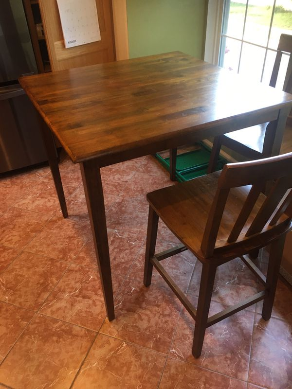 Large square top bistro table with four bar stools with back rest (wooden)