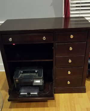Broyhill desk for Sale in Paulsboro, NJ