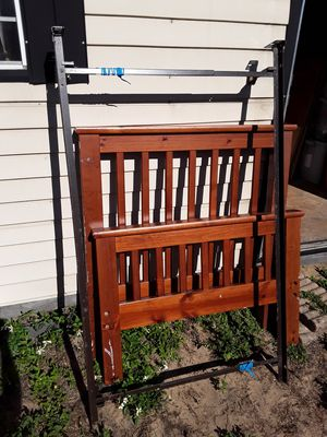 Twin bed frame w box spring for Sale in Lake Wales, FL